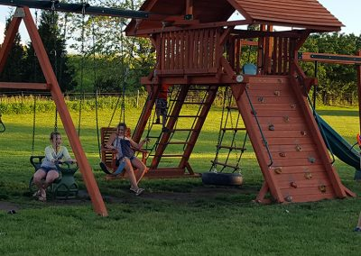 swing-set-cuttys-camping-resort-iowa